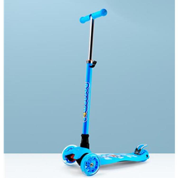 【哆啦A梦】滑板车三轮闪光男女孩滑滑车升降溜溜车DM-8027