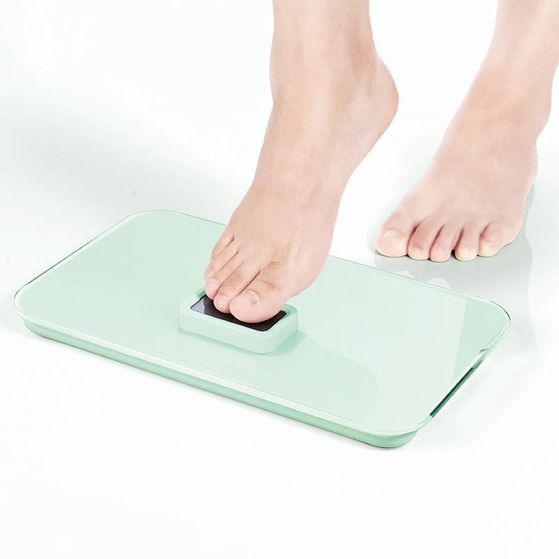 【乐扣乐扣】自发电人体秤体重秤家用电子秤健康秤免换电池精准称体重 LSC-B707FU